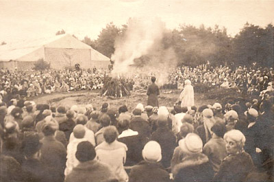 Campfire at Ommen Starcamp (Holland) august 1926